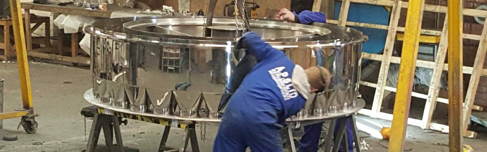 mirror polishing in the workshop